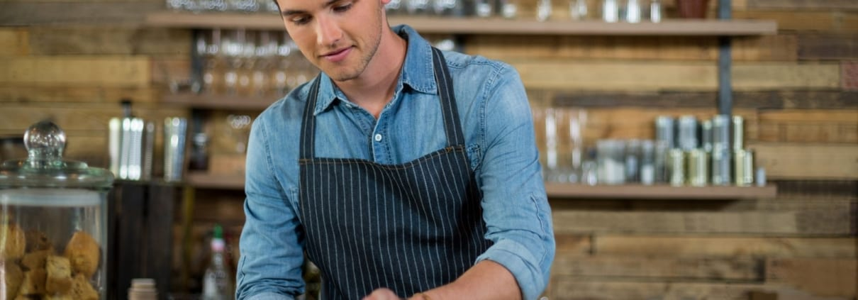 Employment law for hospitality workers in Canada